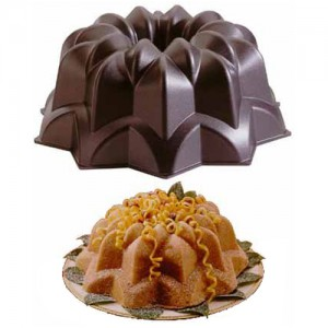 10-Cup Star Bundt Pan